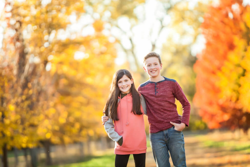 outside family pictures, fall family session